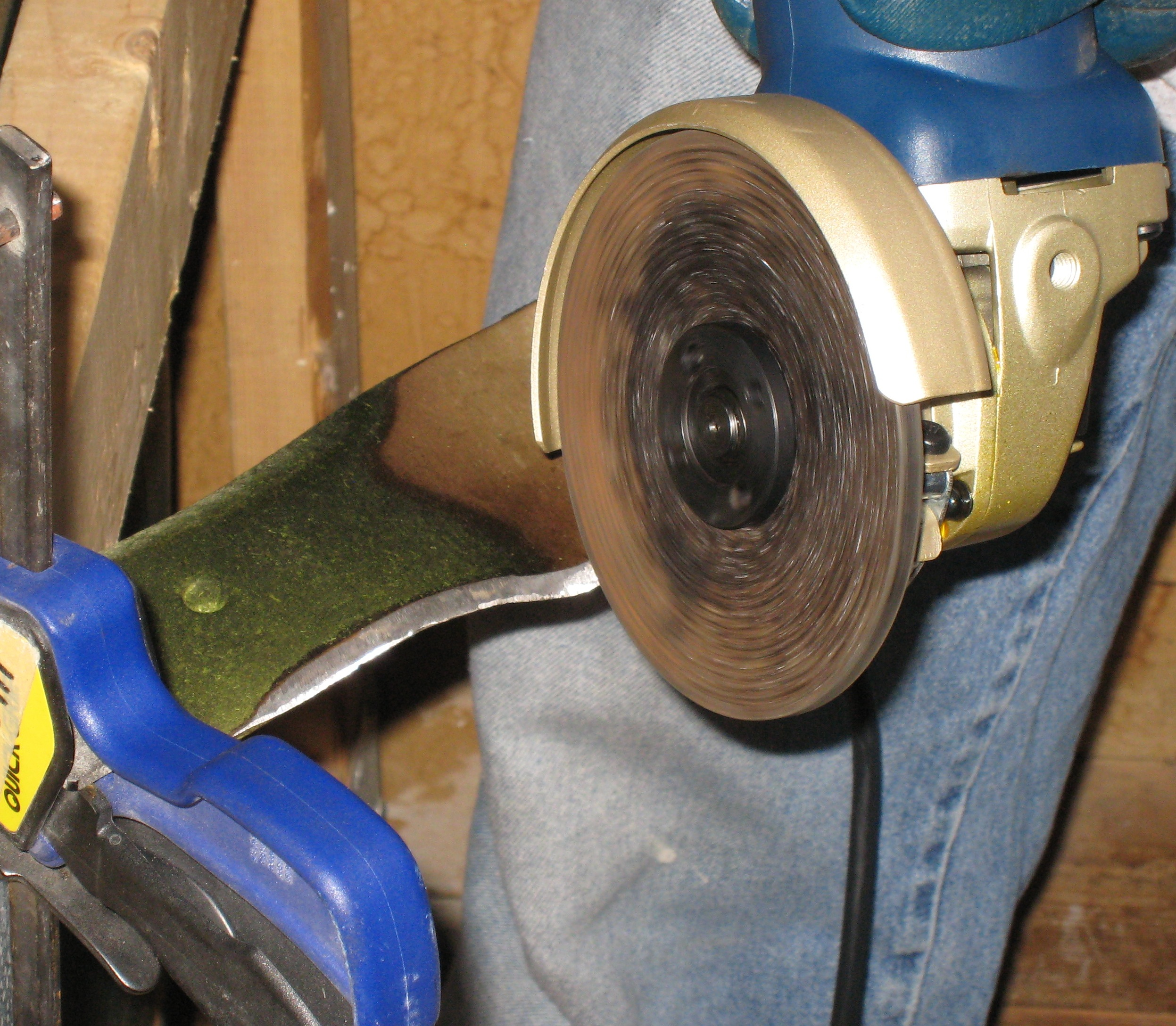 How To Sharpen A Lawn Mower Blade Using A Grinder Example