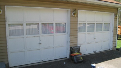 garage-doors-before-painting