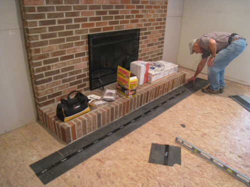 asphalt-shingles-to-level-a-subfloor