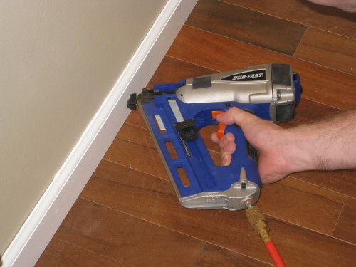 duo-fast-for-baseboard-fastening