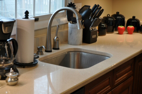 Zodiaq Countertop in Cygnus Pearl with Delta ToucH20 Faucet