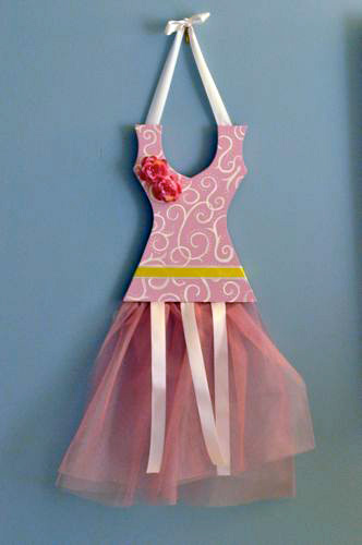 Ballerina barrette holder