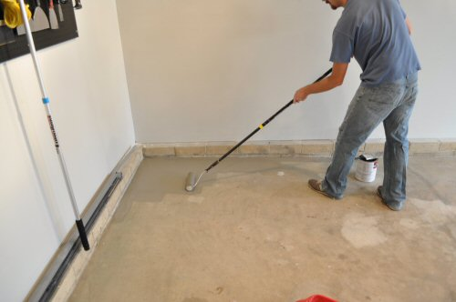 How To Paint An Epoxy Concrete Floor Coating Quikrete