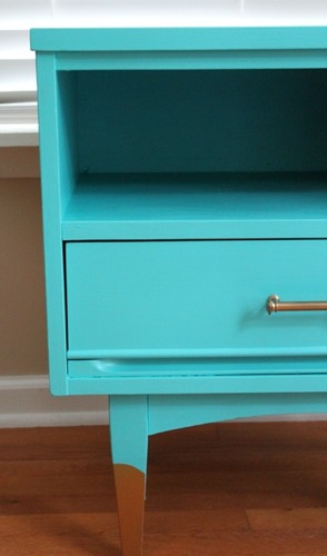 blue-and-green-end-table_1564_monkey