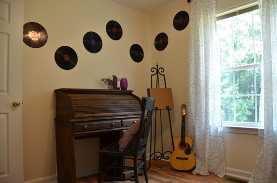 Music-Room from The DIY Dreamer