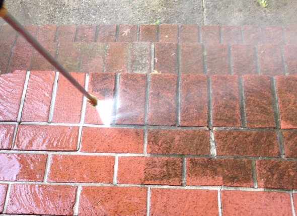 Bricks_being_power_washed