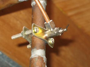 Use A Repair Clamp To Fix A Small Copper Pipe Leak One