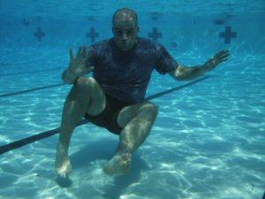 tek4-underwater-shot