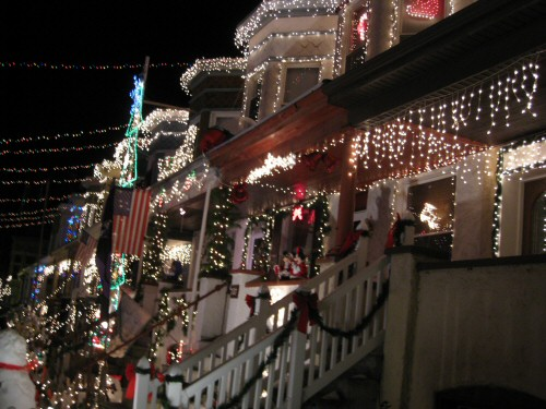 miracle-on-thirty-fourth-street-lights-1