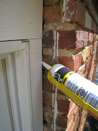 apply-caulk-to-all-window-joints