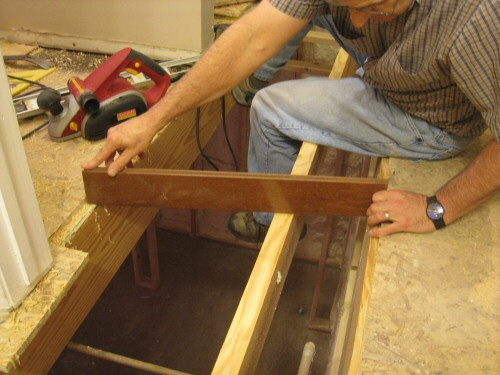 using-hardwood-board-to-find-level