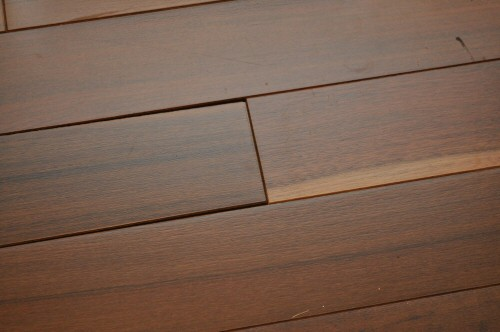 Gaps between hardwood floor boards meze blog for Hardwood floors expansion gap