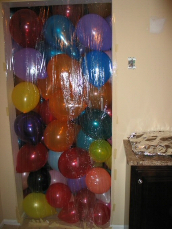 balloons-in-a-room-2