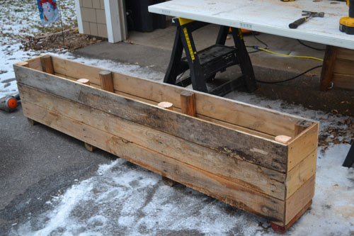 How to turn a pallet into a planter one project closer for How to make a flower box out of pallets