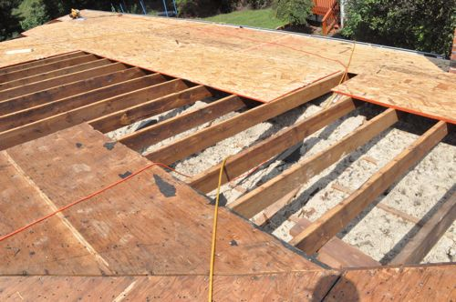 How to shingle a roof 90 pics pro tips recommendations for Roof sheathing material options