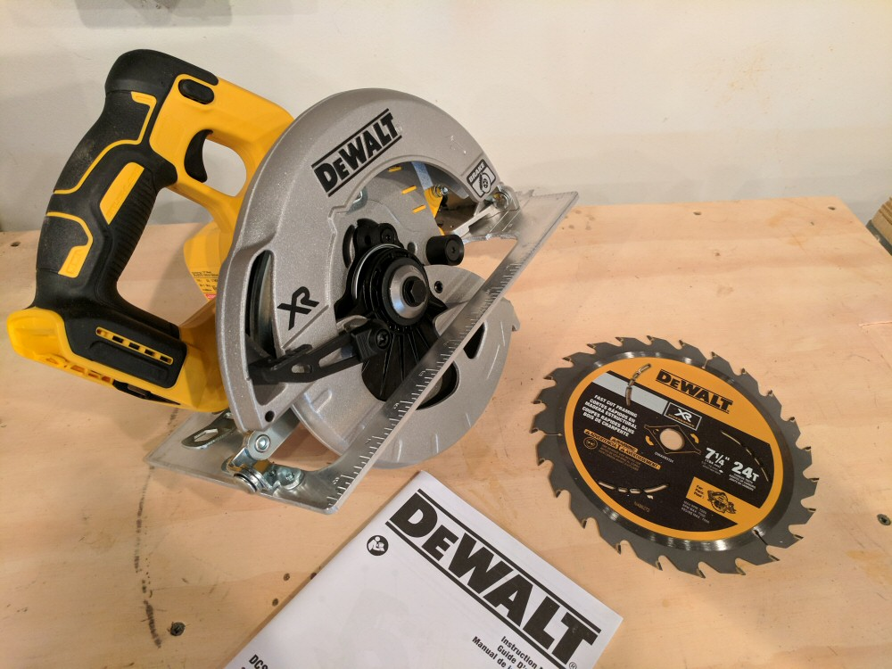 Dewalt 20v li ion brushless 7 14 circular saw w brake review getting started with the dewalt dcs570b brushless circular saw installing the blade keyboard keysfo Image collections